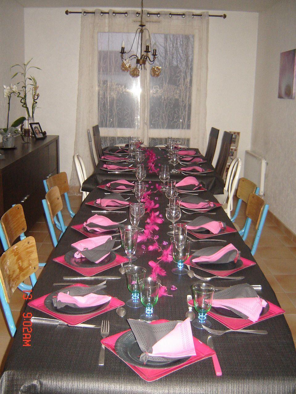 Deco table en noir et fushia for Deco de table noir et rose